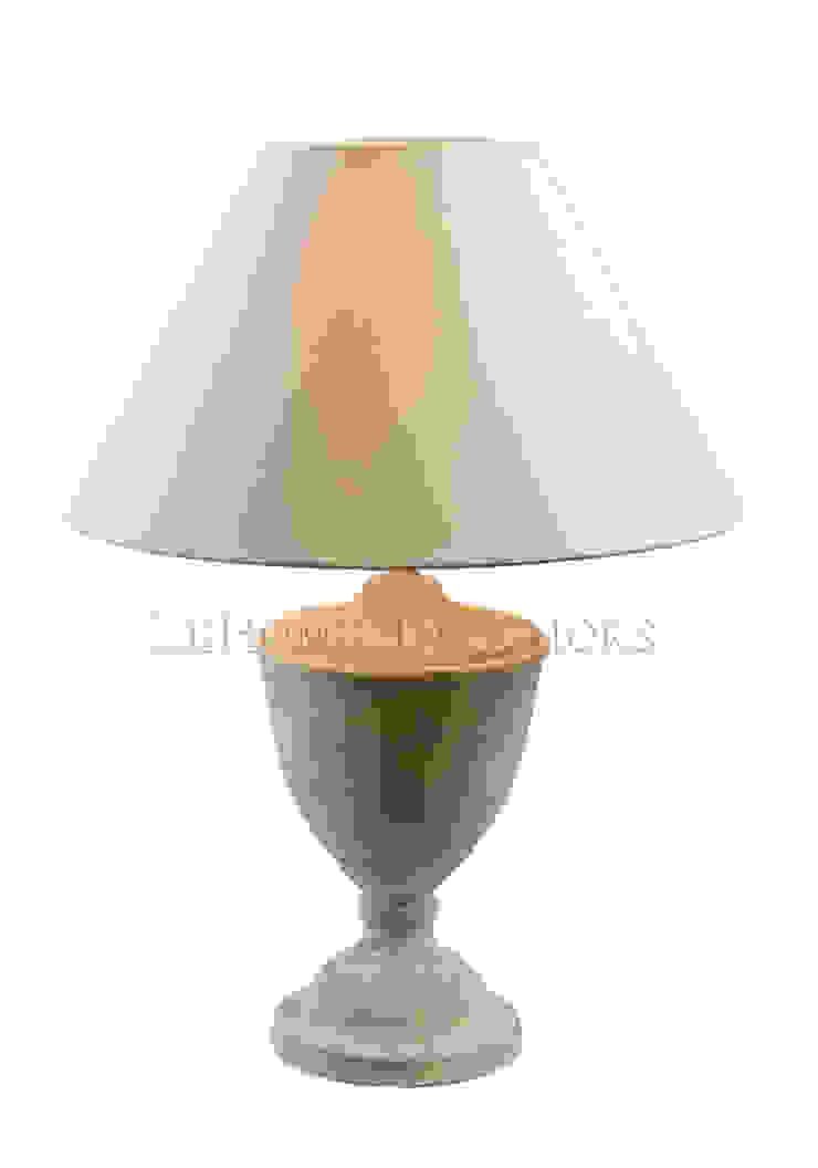 Настольная лампа F152 от LeHome Interiors Классический Металл