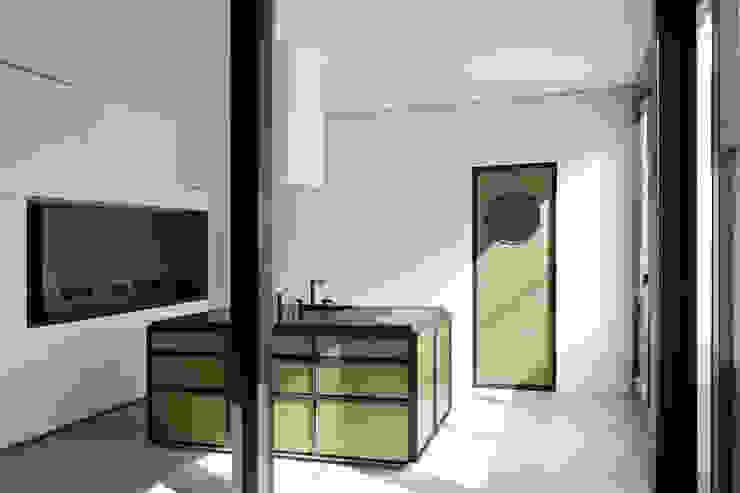Offene Küche Industriale Küchen von boehning_zalenga koopX architekten in Berlin Industrial Metall