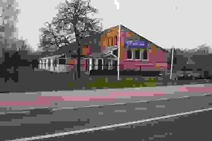 Casas modernas de DI-vers architecten - BNA Moderno