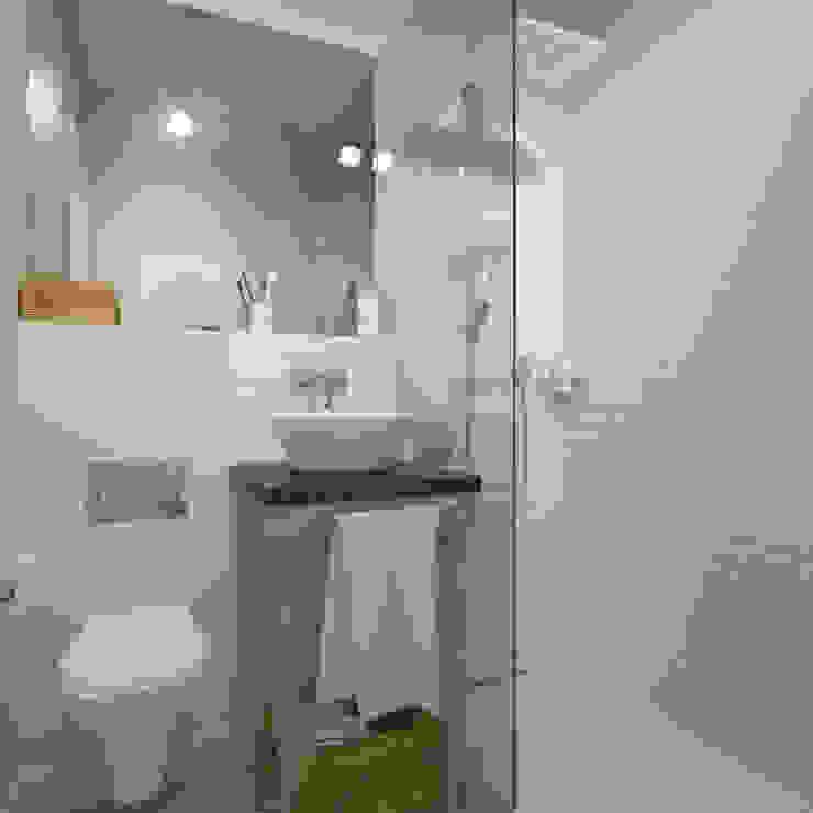 Минимализм Baños de estilo minimalista de Interiorbox Minimalista