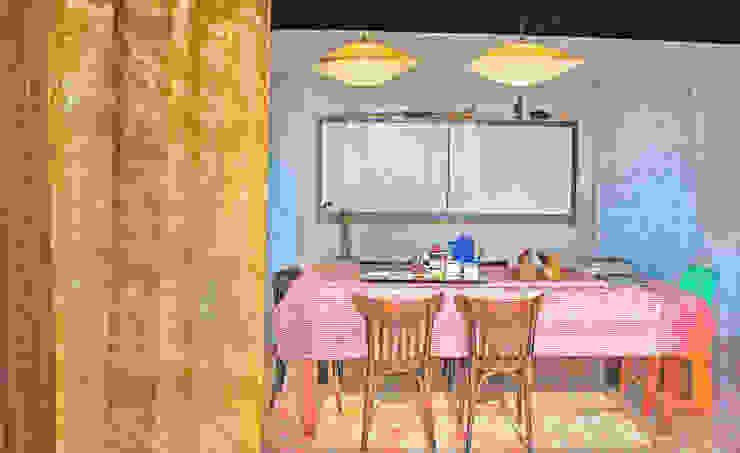現代廚房設計點子、靈感&圖片 根據 Juan Carlos Loyo Arquitectura 現代風