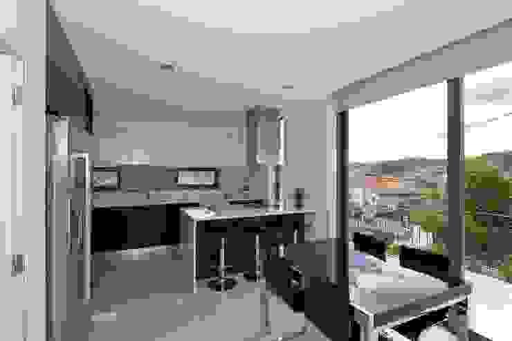 Modern Kitchen by 136F - Arquitectos Modern