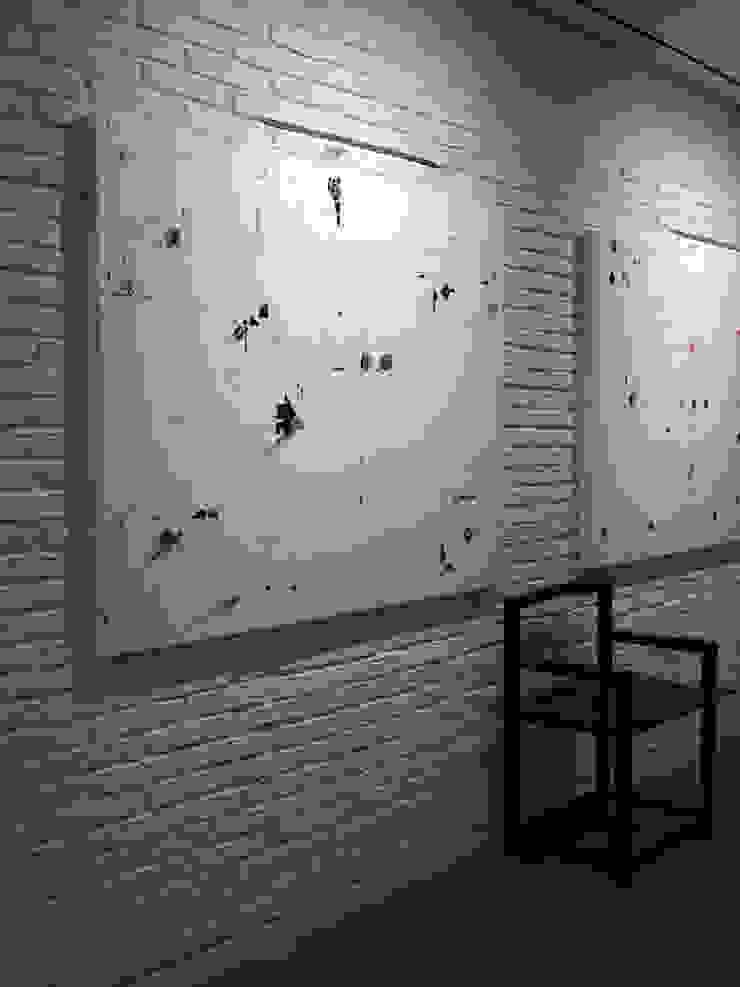모던스타일 복도, 현관 & 계단 by Pujol Iluminacion 모던