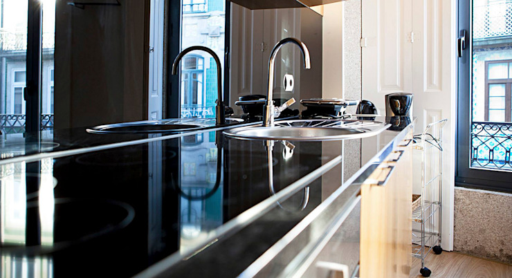 Eclectic style kitchen by Alves Dias arquitetos Eclectic