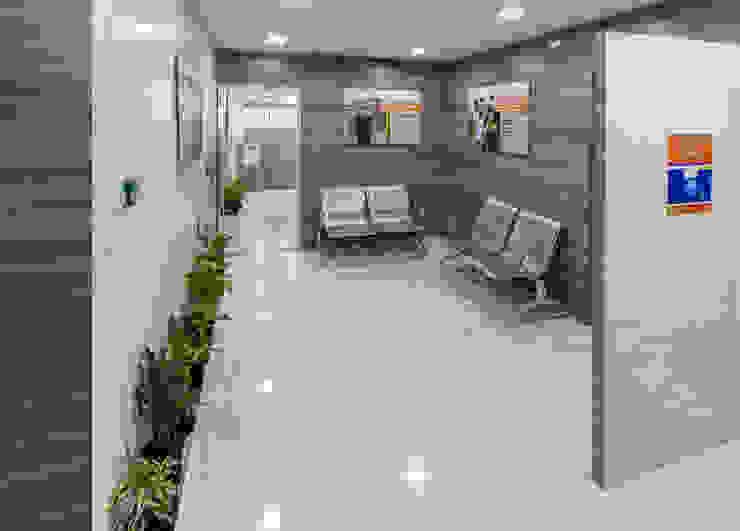 Fullerton India Credit Company Ltd Modern study/office by Focusz Designs Pvt Ltd Modern