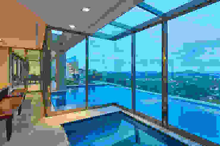 Casa Riviera Spa moderno por Márcia Carvalhaes Arquitetura LTDA. Moderno