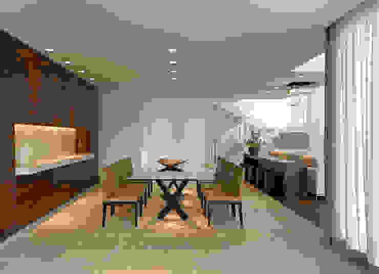 Casa Vila Alpina 02 Salas de jantar modernas por Márcia Carvalhaes Arquitetura LTDA. Moderno