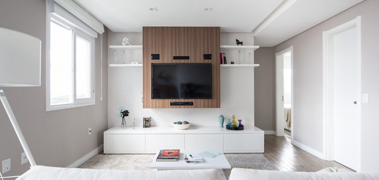 homify Minimalist living room Wood White