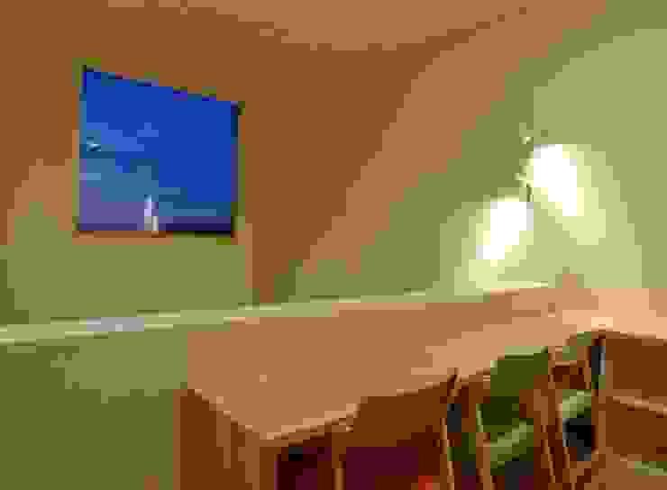 熱海・伊豆山の家 モダンデザインの 多目的室 の 川口孝男建築設計事務所 モダン 木 木目調