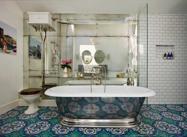 Victorian Terrace House, South-West London Bagno in stile classico di Drummonds Bathrooms Classico