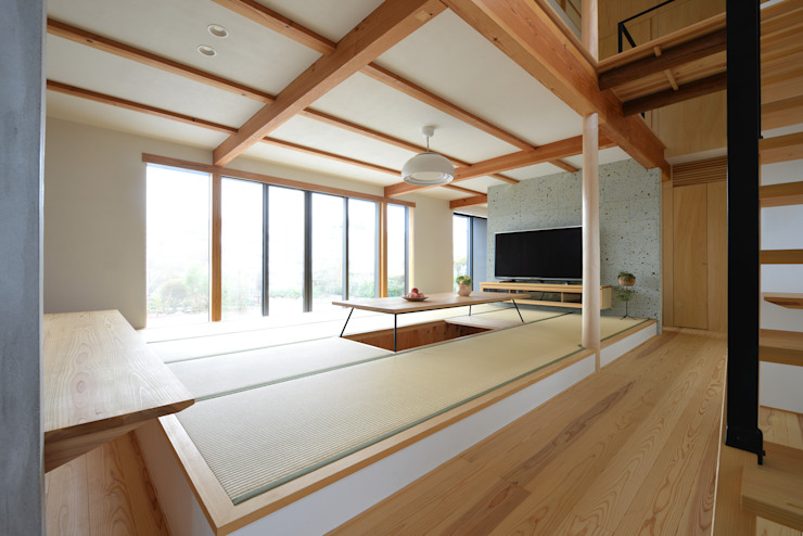 house-UT モダンデザインの リビング の 創右衛門一級建築士事務所 モダン 無垢材 多色