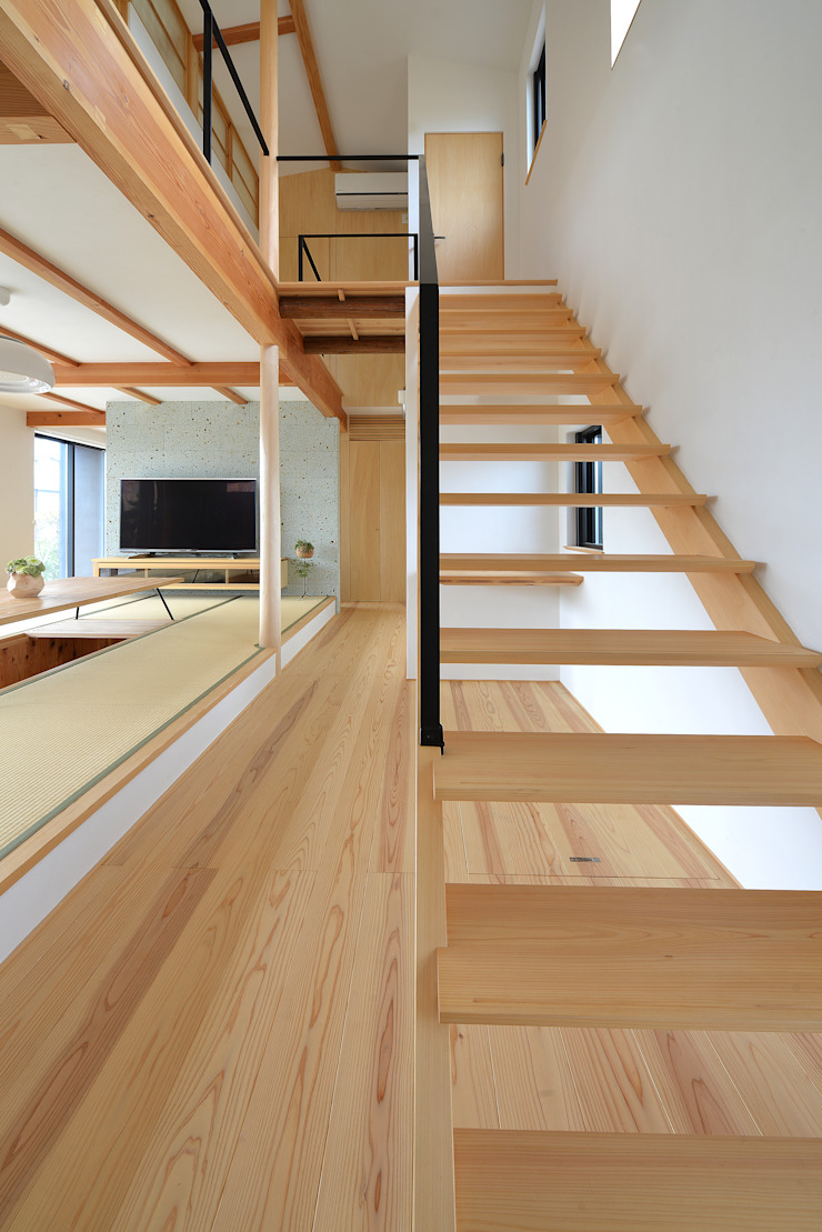 house-UT モダンスタイルの 玄関&廊下&階段 の 創右衛門一級建築士事務所 モダン 無垢材 多色