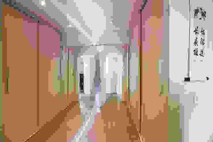 Cobertura – Residência FR em São Paulo Closets por MAAC. Arquitetura Moderno