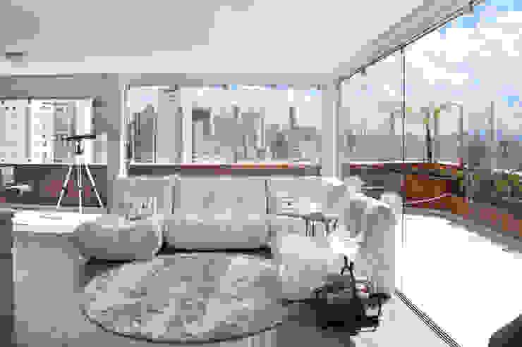 Salas de estar modernas por MAAC. Arquitetura Moderno