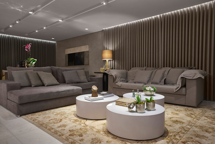 Ruang Keluarga Modern Oleh Isabela Canaan Arquitetos e Associados Modern