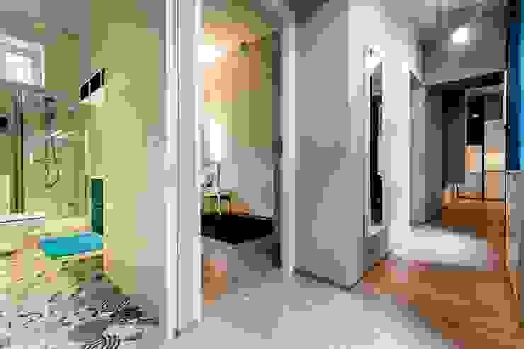 Finchstudio Scandinavian style corridor, hallway& stairs