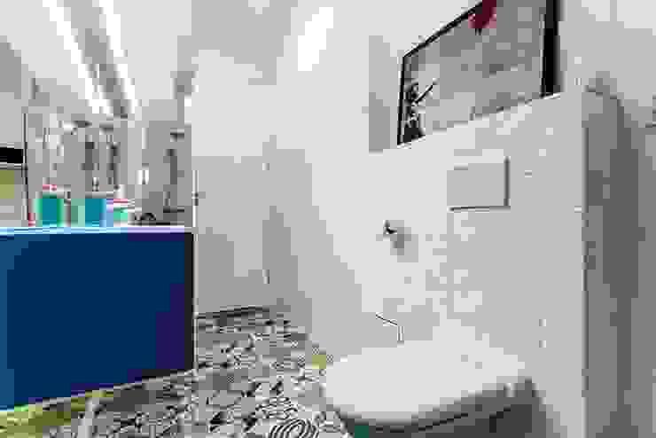 Finchstudio Scandinavian style bathroom White