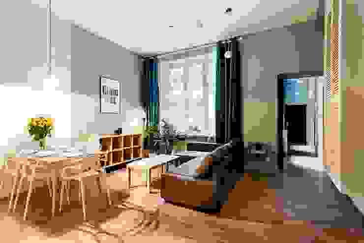 Dom w Holandii Skandynawski salon od Finchstudio Skandynawski