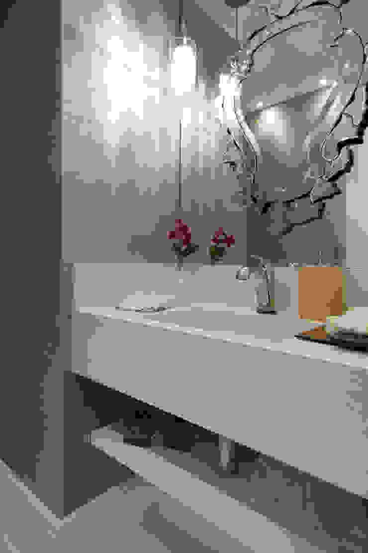 Decoração de Interiores - Projeto Residencial - Bairro Campo Belo - SP Banheiros modernos por Silvia Romanholi Design de Interiores Moderno