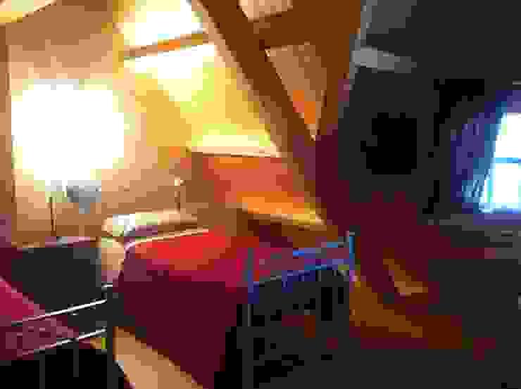 Спальни в . Автор – Architetto Giovanni Marra Studio di Progettazione Integrata, Рустикальный