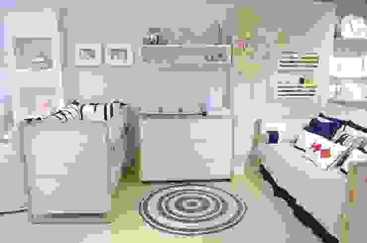 Nursery/kid's room oleh INTERCASA MÓVEIS INFANTIS E JUVENIS
