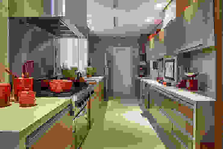 Cocinas de estilo moderno de Isabela Canaan Arquitetos e Associados Moderno