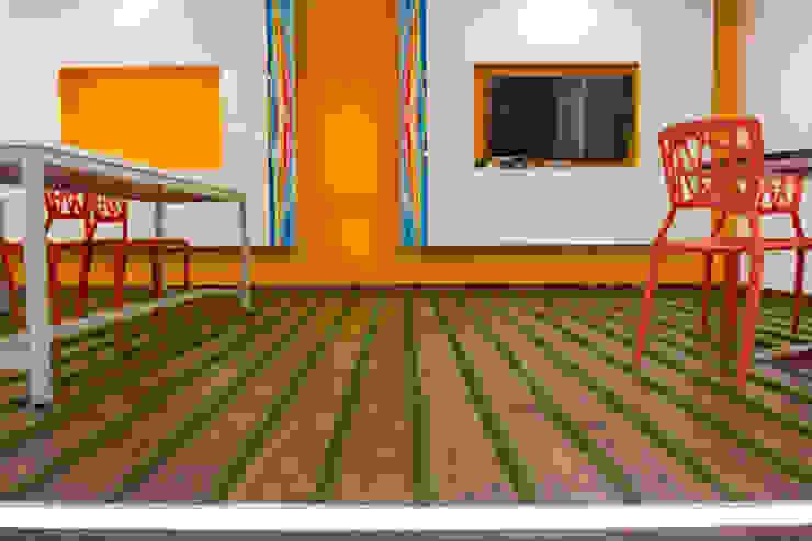 hCentive Technology Modern study/office by Kreeativ design studio Modern Engineered Wood Transparent