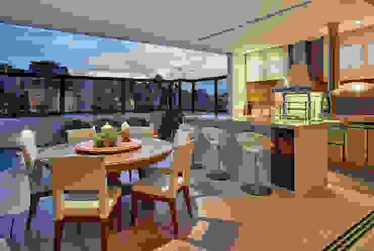 Balcones y terrazas de estilo moderno de Isabela Canaan Arquitetos e Associados Moderno
