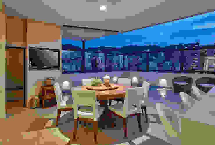 Isabela Canaan Arquitetos e Associados Modern Terrace
