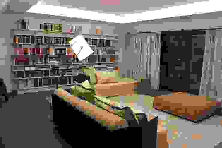 Wohnung E Moderne Arbeitszimmer von SMART LIVING GmbH Modern
