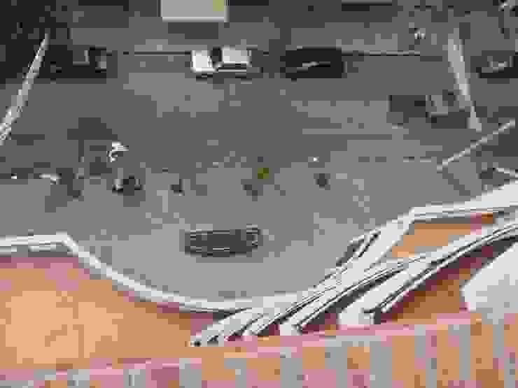 Edificio <q>Del Centenario</q> Balcones y terrazas modernos: Ideas, imágenes y decoración de Arquitecto Oscar Alvarez Moderno