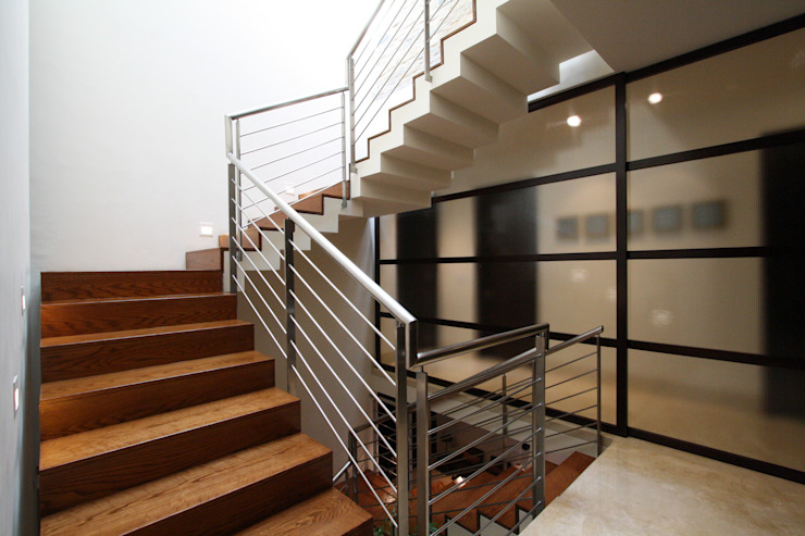 Modern Corridor, Hallway and Staircase by ODICSA Modern Wood Wood effect