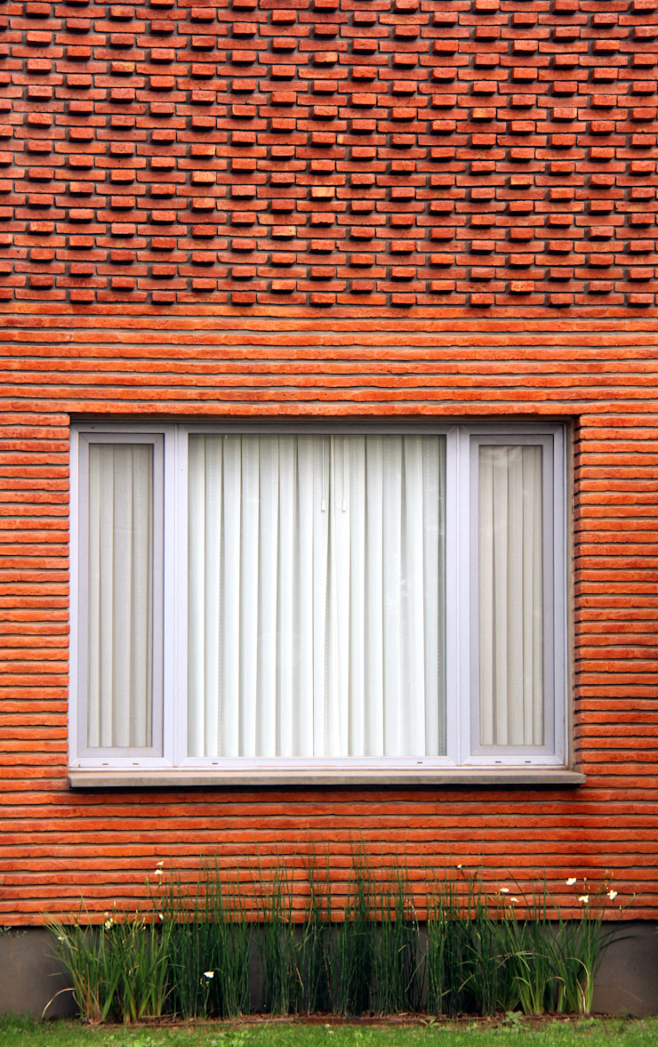 Modern Houses by AGUIRRE+VAZQUEZ Modern