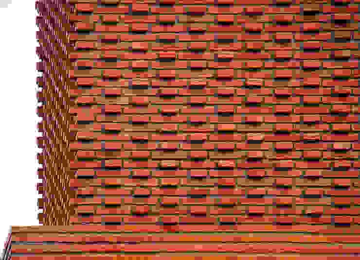 Modern Houses by AGUIRRE+VAZQUEZ Modern Bricks