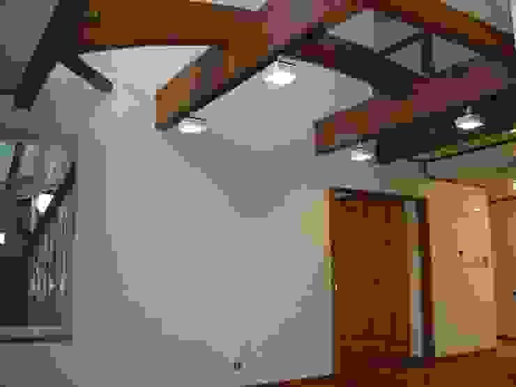 リビング オリジナルデザインの リビング の 吉村1級建築士事務所 オリジナル