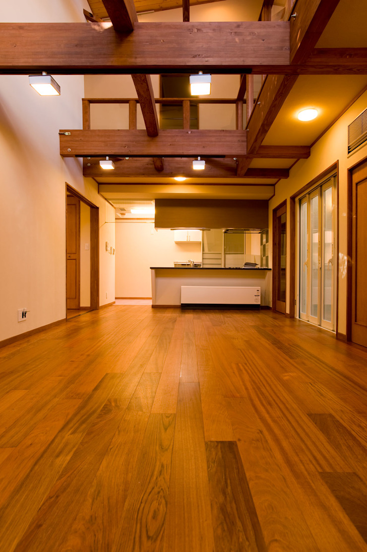 リビング・ダイニング オリジナルな 壁&床 の 吉村1級建築士事務所 オリジナル