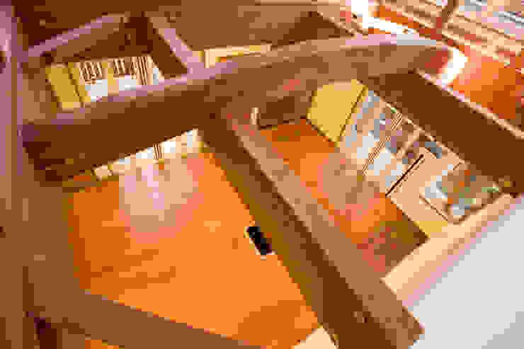 リビング 地中海デザインの リビング の 吉村1級建築士事務所 地中海