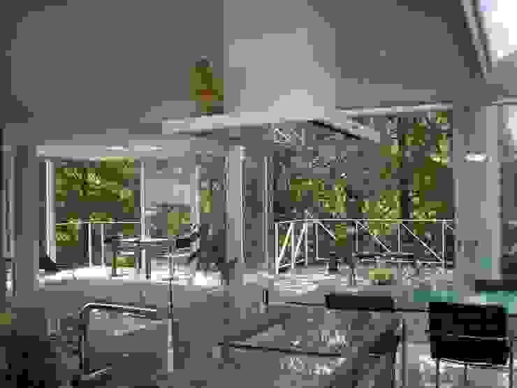 建築家の自邸 Architect's own house: 高原生樹建築設計事務所が手掛けたキッチンです。