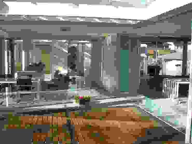 建築家の自邸 Architect's own house オリジナルデザインの リビング の 高原生樹建築設計事務所 オリジナル