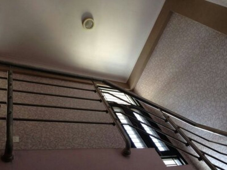 Duplex apartment (Gaur Gracious) Classic style corridor, hallway and stairs by Decor At Door Classic