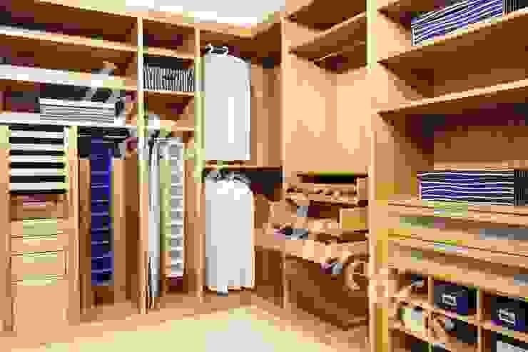 VESTIDORES Vestidores modernos de Ingenio muebles Moderno Madera Acabado en madera