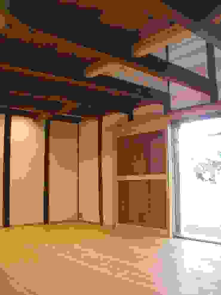 池内建築図案室 Ruang Keluarga Gaya Eklektik