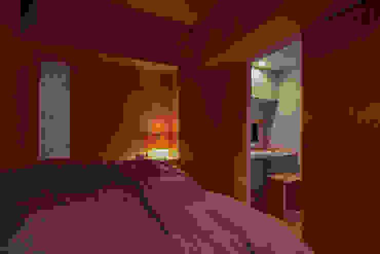 覚王山のリノベーション モダンスタイルの寝室 の Nobuyoshi Hayashi モダン