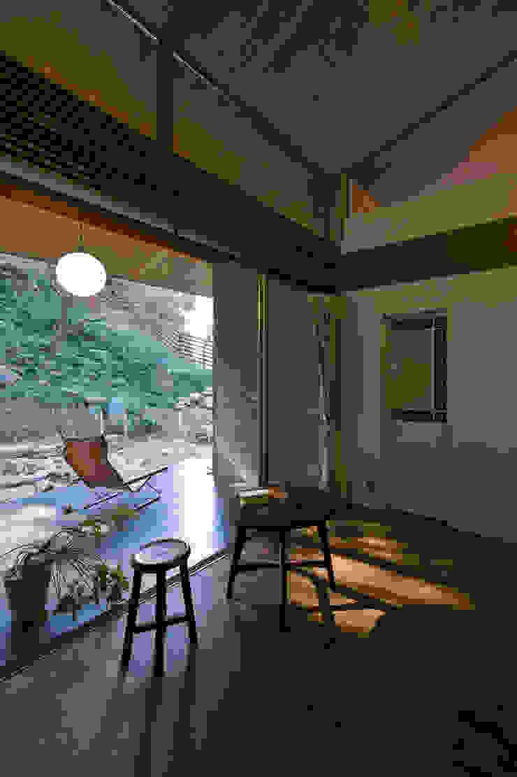 Balcones y terrazas de estilo moderno de Nobuyoshi Hayashi Moderno