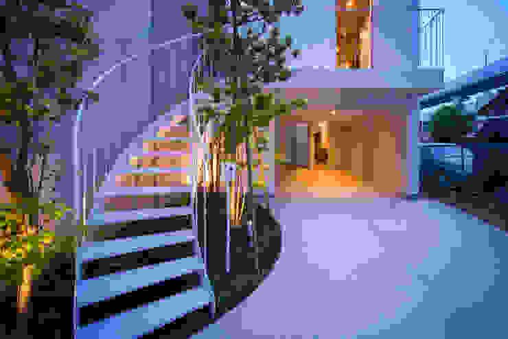 黒川の家 モダンデザインの テラス の Nobuyoshi Hayashi モダン