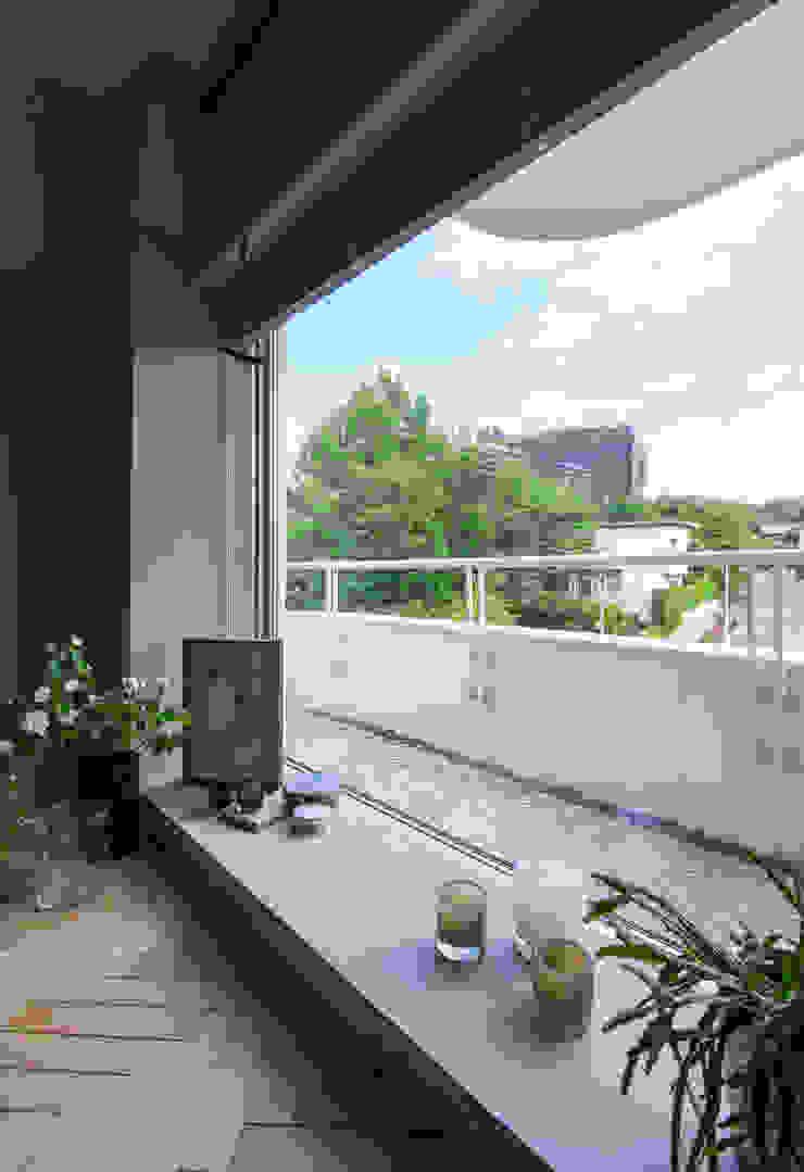 Nobuyoshi Hayashi Modern Terrace