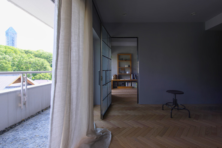Nobuyoshi Hayashi Modern Living Room