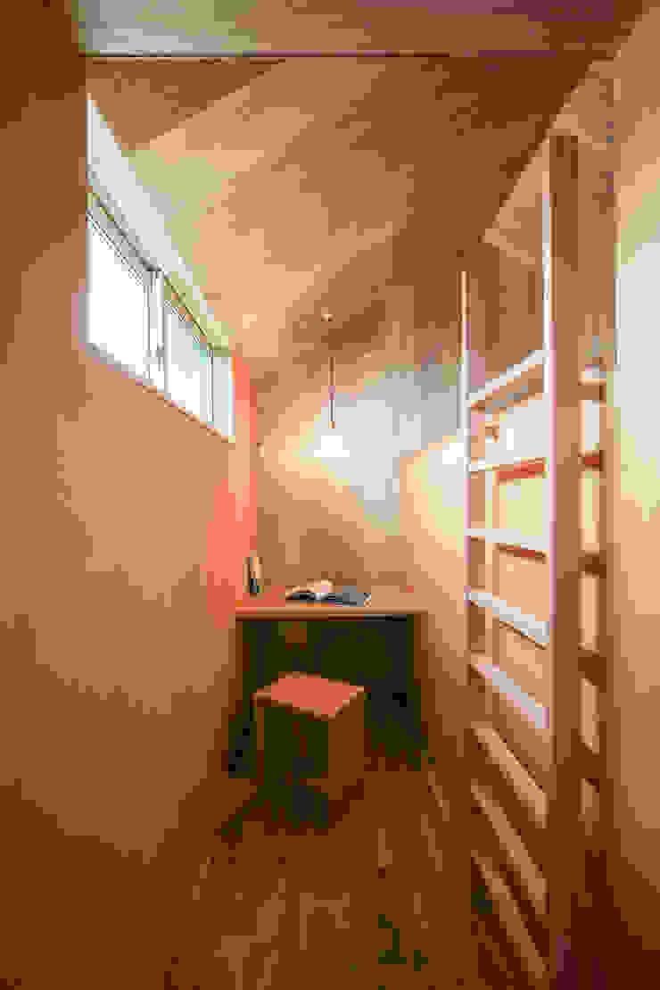 黒川の家 モダンデザインの 書斎 の Nobuyoshi Hayashi モダン