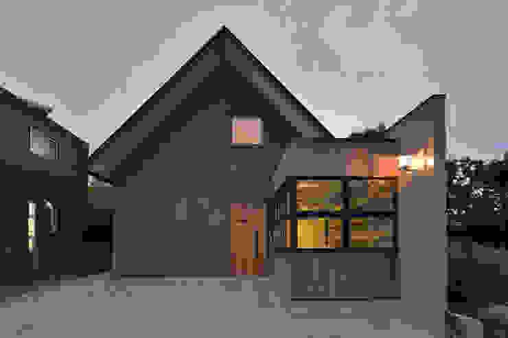 現代房屋設計點子、靈感 & 圖片 根據 Nobuyoshi Hayashi 現代風