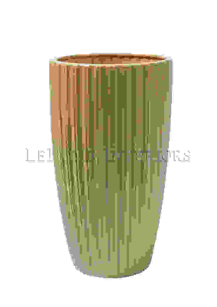 Ваза V897 от LeHome Interiors Классический Керамика